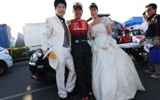 ラリー北海道:ラリーショーを開催、現地結婚式も!