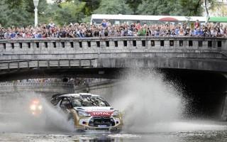 DS3 WRC、アルゼンチンのファンイベントで運河を疾走