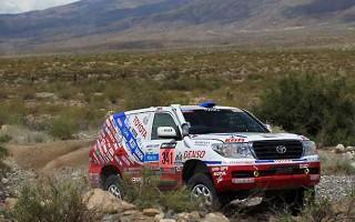 トヨタ車体、市販車部門王座奪還をねらい ダカールラリー2014に参戦