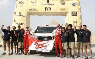 「ファラオラリー2012」でランクル200の三橋淳が優勝