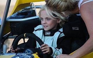 ペターの息子、オリバーがクロスカートで活躍