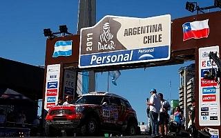 目指すは約9000km先のゴール! ダカール2011スタート