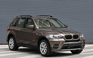 BMW X5 xDrive35iがエコカー減税対象モデルに