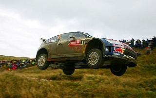WRC第12戦ラリーGBデイ1:ローブ首位もヒルボネン譲らず、ペターも虎視眈々の構え