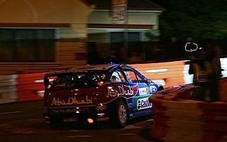 WRC第10戦オーストラリア デイ1:開催反対派大暴れの中、ラトバラが首位を奪取。ローブvsヒルボネンは僅差の展開