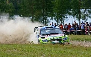 WRCフィンランド デイ1:ヒルボネンが首位、ローブが僅差で続く。ライコネンは好タイムの17位