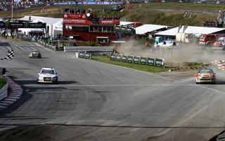 世界RXドイツ、5/1000秒差を制してペターが3連勝!