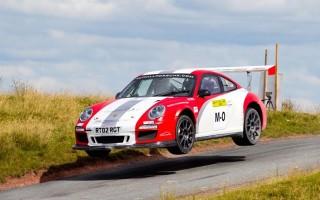 新型911ラリーカーの初テストはコースカー参加