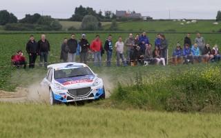 ERCイプルー、アッブリングが初勝利に向けて首位発進