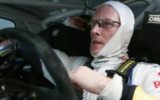 WRCイタリア:ラトバラ痛恨の脱落、オジエが首位に