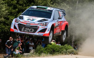 WRCイタリア:パッドン無念! 総合2番手に後退