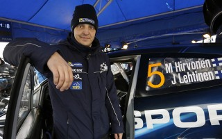 WRCスウェーデン:デイ2「簡単には行かせない」