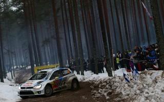 WRCスウェーデン:オジエ自滅、ラトバラvsミケルセンに