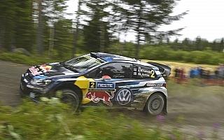 WRCフィンランド:ラトバラ13.2秒リードで最終日へ