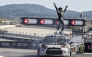 世界RXスペイン、愛息からのプレッシャーを支えにペターが5月以来のファイナル制覇!