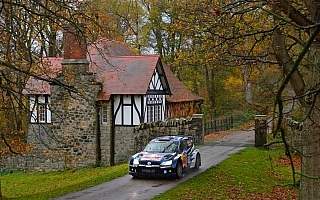 WRC GB:競技2日目を終えてオジエがリードを拡大