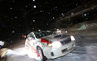 【ラリーオブ嬬恋】大雪に見舞われた初日は竹内源樹がトップ