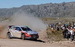 WRCアルゼンチン:ラトバラ脱落! パッドンがラリーをリード