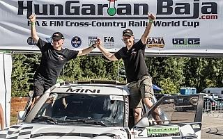 ヒルボネンがクロスカントリーラリーで初勝利