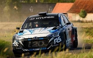 アンドルフィ、WRCコルシカでi20 R5をドライブ