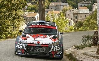 i20 R5、WRCデビューのコルシカ戦はまずまずの滑り出し