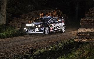 WRC英国:シェイクダウントップはタナク!