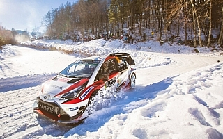 WRCスウェーデン:トヨタ、雪と氷の高速ステージで2台完走を目指す