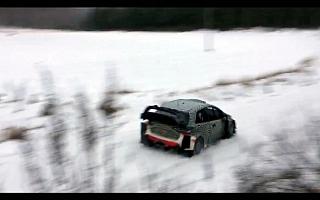 【動画】ラッピ、トヨタ・ヤリスWRCの公式初テストを実施