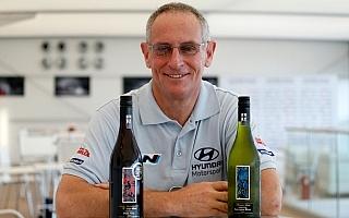 パッドンのコ・ドライバー、ケナードがフィンランドで引退