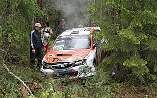 ニカラ/足立さやか組、フィンランド選手権でクラッシュ