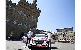 イタリアのフィレンツェが若手ドライバーをサポート
