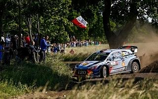 WRCポーランド:競技3日目はヌービルが僅差で首位を守る