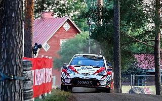 WRCフィンランド:タナクがベストタイムで初日トップ、3台のヤリスWRCが揃って順調なスタート