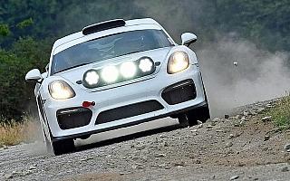 MHのWorld Rally News:デュマがWRCドイツの0カーにポルシェ・ケイマンGT4クラブスポーツを投入
