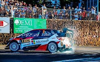 WRCドイツ:市街地のスーパーSSで開幕、タナクがベストタイムを記録