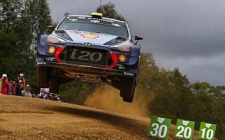WRCオーストラリア:ヒュンダイ勢、初のWRCタイトル獲得に向けて攻勢の構え