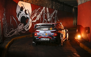 WRCメキシコ:波乱の幕開け、開幕ステージはジャンプ台破損でキャンセル
