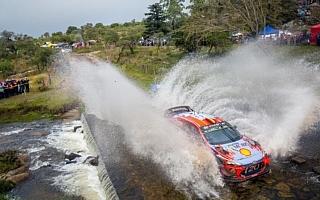 WRCアルゼンチン:2日目首位はティエリー・ヌービル。WRC2トップの勝田に不運