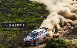 WRCイタリア:グラベル連戦は地中海に浮かぶリゾート島に突入