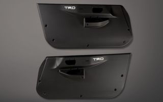 TRD、86用カーボンドアトリム2種を発売
