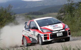 TGR Vitz GRMN Rally、シリーズ屈指の過酷なラリー北海道で優勝。今季2戦を残して眞貝知志のJN2王座決定