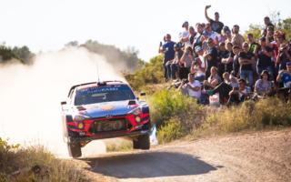 WRCスペイン:前年勝者のローブが初日トップ、オジエに痛恨のトラブル。勝田は9番手