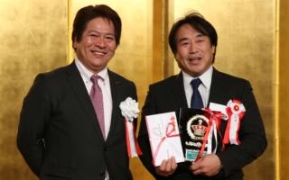新井敏弘、NAPACアワードを受賞