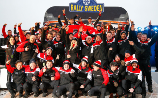 WRCスウェーデン:エバンスがスウェーデン初優勝で選手権首位に浮上。ロバンペラは総合3位、オジエは総合4位でフィニッシュ