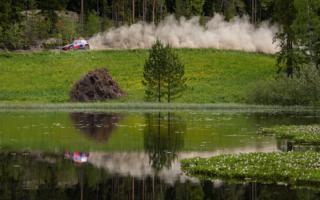 ヒュンダイの「Home Shakedown」:ティエリー・ヌービル編「フィンランドのテストで石にヒットして転倒した」