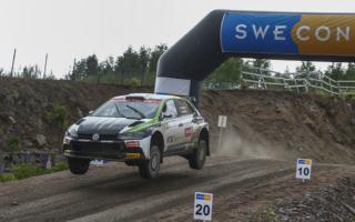 スウェーデン国内でラリーイベント開催、オリバーとパニラのソルベルグ親子が優勝