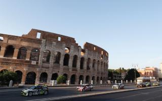 ERCローマ:主要ドライバーがラリーカーでローマの名所をパレード