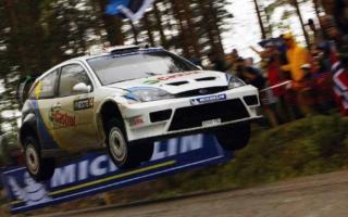 記憶に残るこの一戦:2003年フィンランド、エストニア国旗はためくマルコ・マルティンの勝利