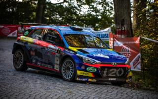 ヒュンダイのWRC2ドライバー、ヤリ・フッツネンがポーランドタイトルを獲得