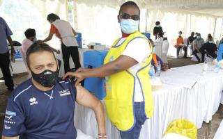 WRCケニア、オフィシャル全員がワクチン接種、チーム陣は早めにコンテナを発送